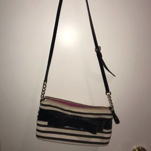 Black and white Kate spade crossbody